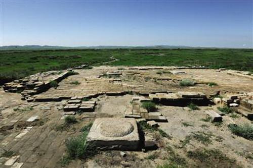 内蒙古文物考古研究所对位于内蒙古正蓝旗境内的元上都遗址西关厢进行