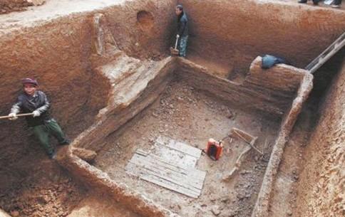 洛阳工地发现西周贵族墓葬